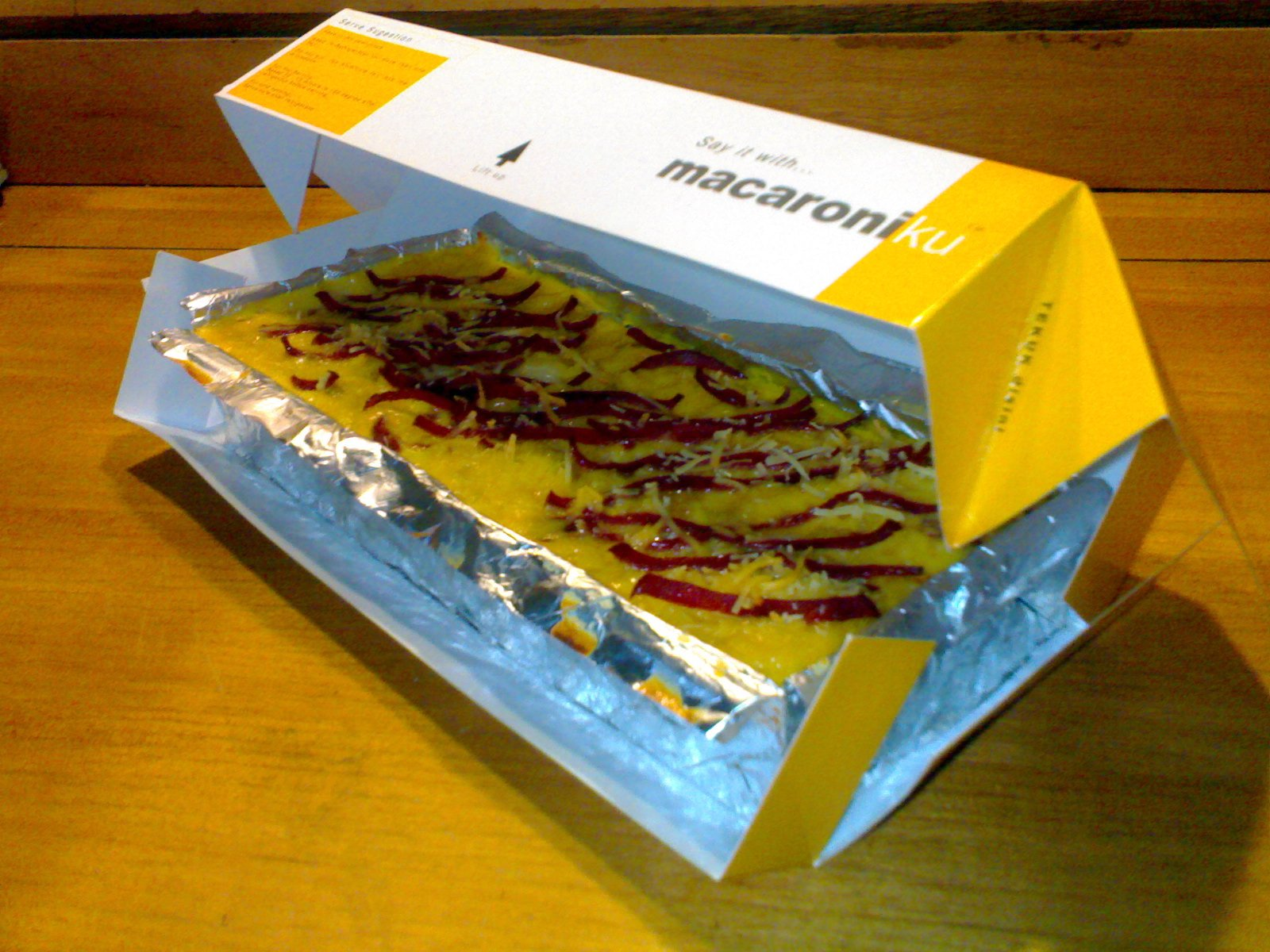 Macaroniku in The Box