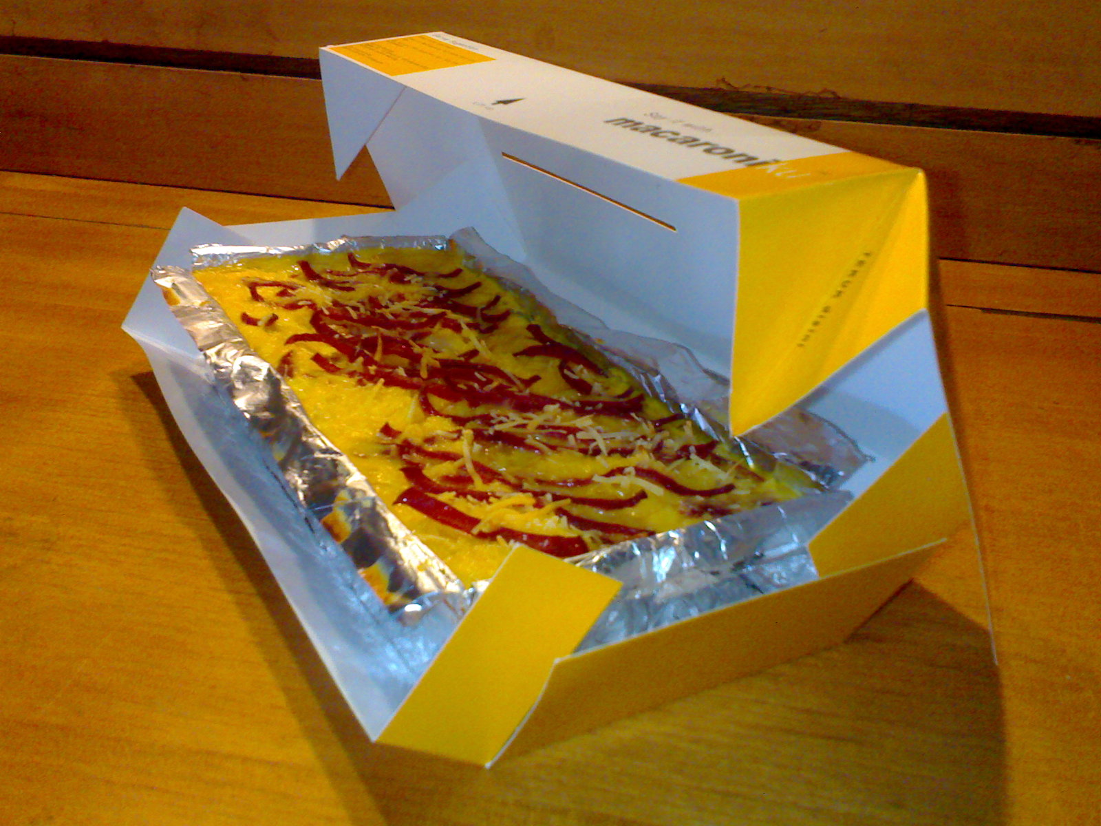 Macaroniku in The Box